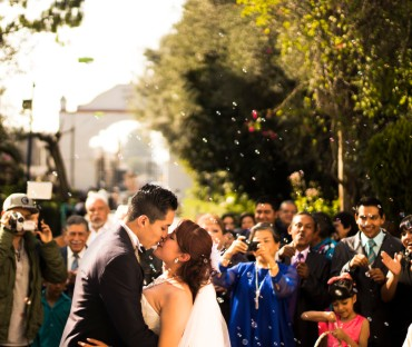 ¿Te casas?: Fiestas de Compromiso & Bodas